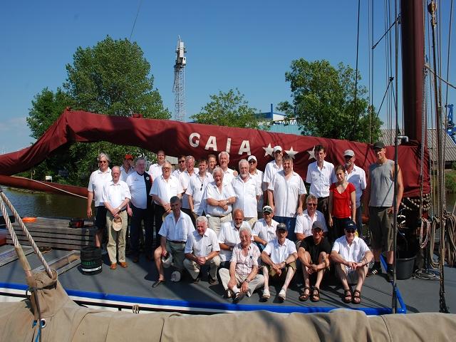 MGV Abendstern - Die komplette Truppe ( mit der Crew Dame in rot und der Herr in grau)